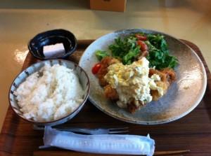 福岡県春日市|ピッコラヴィータカフェ チキン南蛮セット